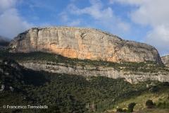Climbing in Vilanova de Meià